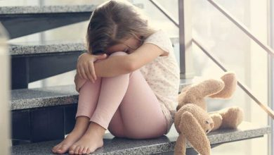 Photo of لماذا تنتشر الأمراض الجنسية عند الفتيات في سن المراهقة؟